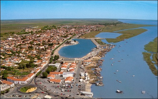L'Aiguillon-sur-mer se trouve sur :