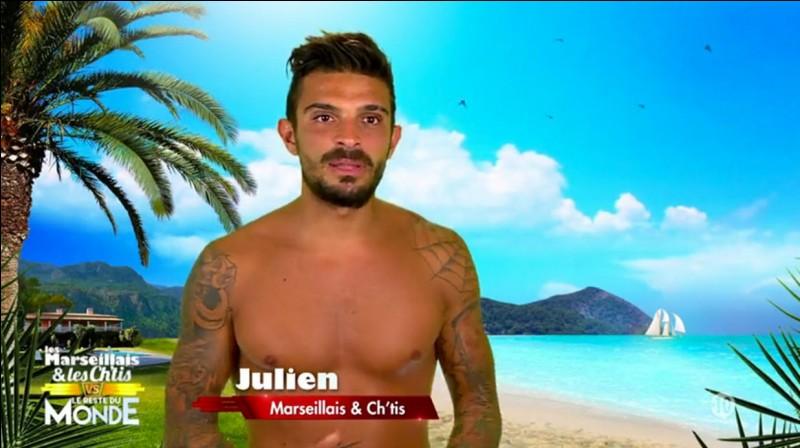 Comment s'appelle l'ex de Julien ?