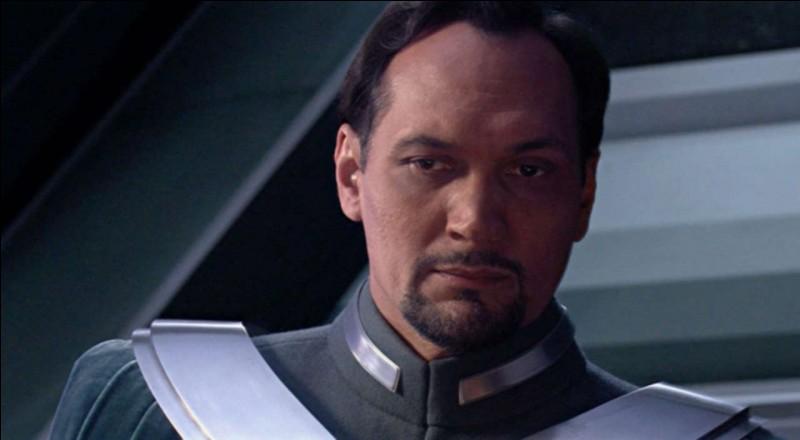 Bail Organa a décidé d'adopter un Skywalker. Duquel s'agit-il ?