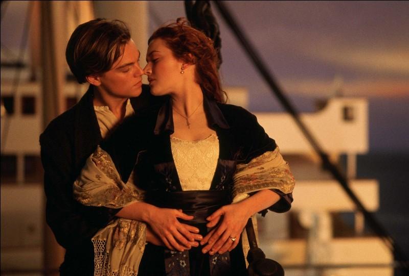 Qui Jack et Rose rencontrent-ils dans le fumoir ?