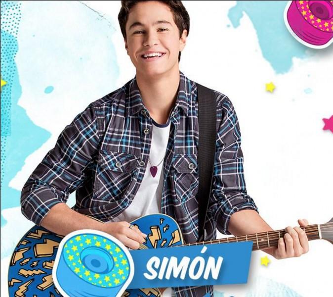 Comment s'appelle Simón en vrai ?