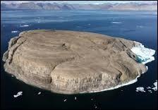 Avec qui le Danemark partage-t-il le contrôle de l'île Hans ?