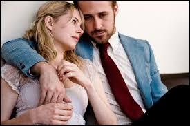 Combien d'années peut-on compter entre la période de la jeunesse de Dean et Cindy et la période présente durant le film ?