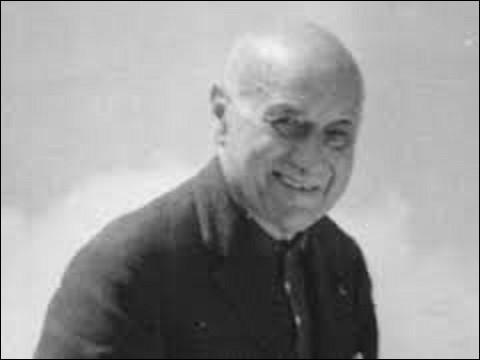 """Jean Nohain, dit 'Jaboune"""", né à Paris en 1900. Animateur et parolier, il présentera, de 1952 à 1958, l'émission """"36 chandelles"""", où il fera éclore de nouveaux talents, comme entre autres, Annie Cordy, ou Fernand Raynaud. Également frère cadet d'un acteur qui joua le premier rôle dans le film de Marc Allégret, """"La Belle Aventure"""", en 1942, quel est le nom de ce dernier qui mourut en 1978 ?"""