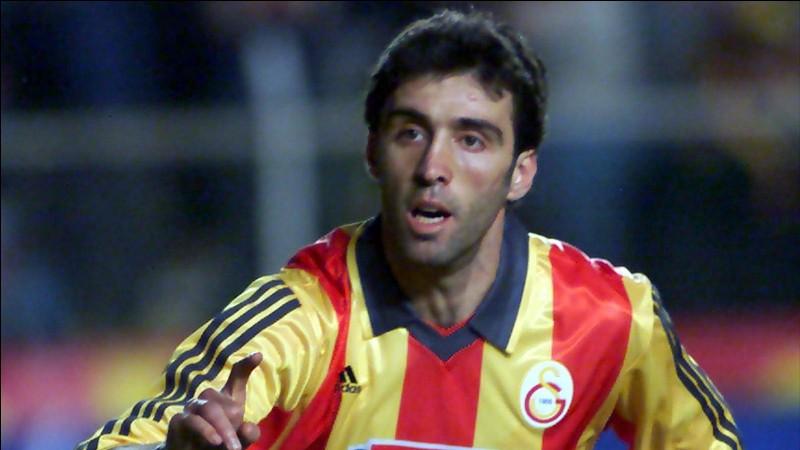 En combien de temps Hakan Şükür a-t-il inscrit le but le plus rapide de la Coupe du monde 2002 ?