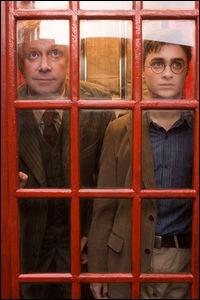 Quel est le numéro que Delphi (transformée en Hermione grâce au Polynectar), Scorpius (en Harry) et Albus (en Ron), composent dans la cabine téléphonique pour accéder au ministère de la magie ?