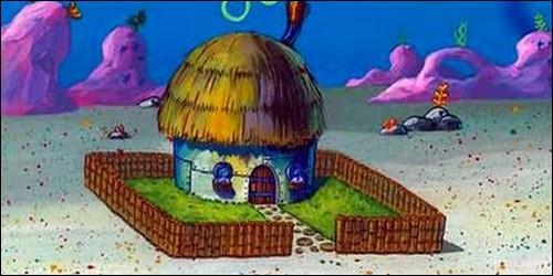 Comment s'appelle celle qui vit dans cette maison ?