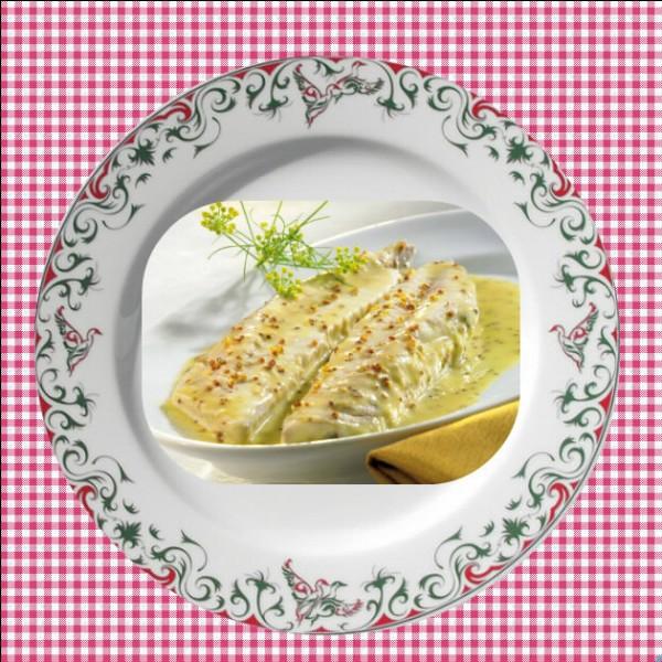 De quel poisson le cuisinier a-t-il besoin pour réaliser ce plat orné de moutarde ?