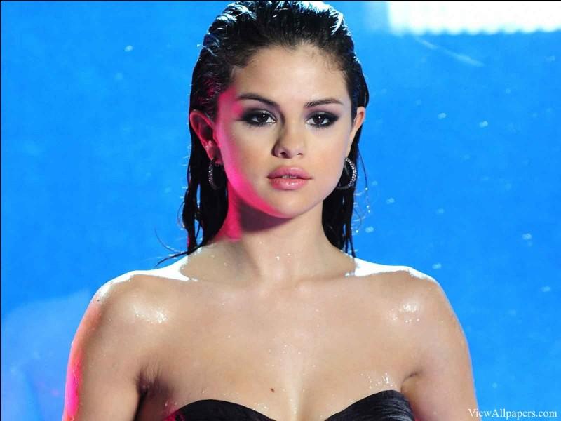 Sur quelle chanson Justin Bieber et Selena Gomez ont-ils réalisé un lip dub plein d'amour ?