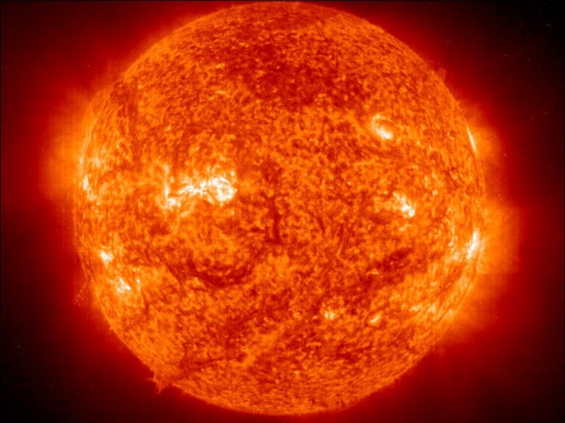 Le Soleil est au milieu de sa vie.