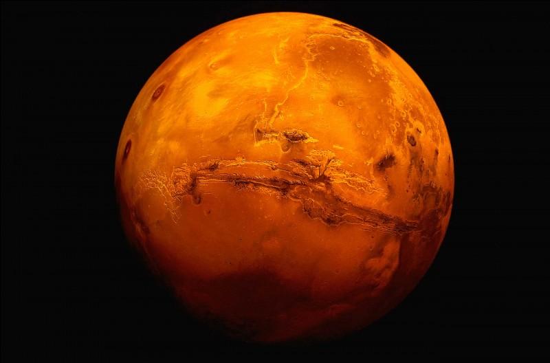 Il y a des lits de rivières sur Mars.