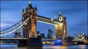 Comment s'appelle ce célèbre pont ?