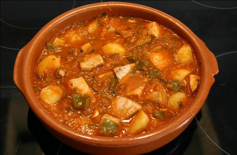 """Poursuivons avec le """"marmitako"""", ragoût dont le nom provient du mot """"marmita"""", récipient dans lequel il se prépare. Il est à base de pommes de terre et de :"""