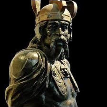 """En 390, av. J.-C., après avoir mis à sac la ville de Rome, quel chef gaulois consentit à se retirer moyennant le prix de mille livres d'or (fameux épisode des oies du Capitole), en disant, lorsque le tribut fut pesé et en jetant son épée dans la balance, en exigeant que l'on rajoutât son poids d'or, """"Vae Victis"""" : malheur aux vaincus ?"""