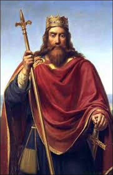 """Le 1er mars 487, le roi des Francs ordonne à son armée de se réunir pour une inspection. Observant ses soldats, il s'arrête devant l'un d'eux et sous prétexte que son arme est sale, il la jette à terre. Ce dernier se baissant pour la ramasser reçoit alors un violent coup de hache du souverain, sur la tête le tuant net, qui lui dit : """"Souviens-toi du vase de Soissons"""". Quel est le nom de ce roi ?"""