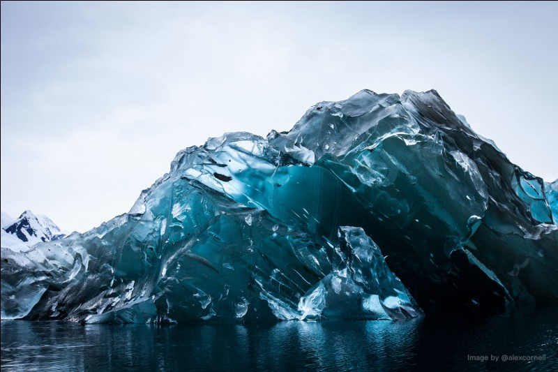Qui a aperçu l'iceberg en premier ?