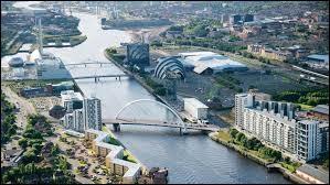Glasgow est une ville qui se trouve en Irlande.