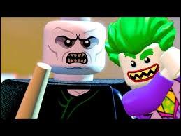 En quoi sont transformés tous les habitants de Gotham par Voldemort ?