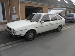 """La """"30"""" est un voiture produite par ..."""