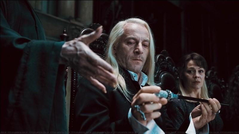 De quoi la baguette de Lucius est-elle composée ?