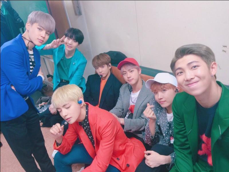 Pour quelle raison remportent-ils leur troisième Daesang au Seoul Music Awards en 2017 ? (Avec WINGS)
