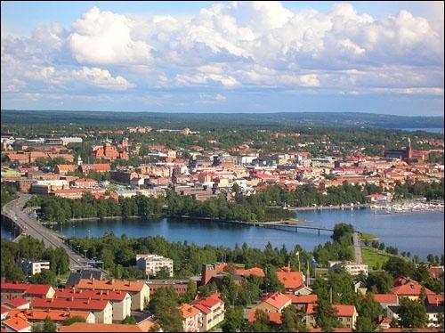Östersund, peuplée de 55 000 habitants se situe sur les rives du Storsjön. C'est la seule ville importante de sa région. Dans quel pays se trouve-t-elle ?
