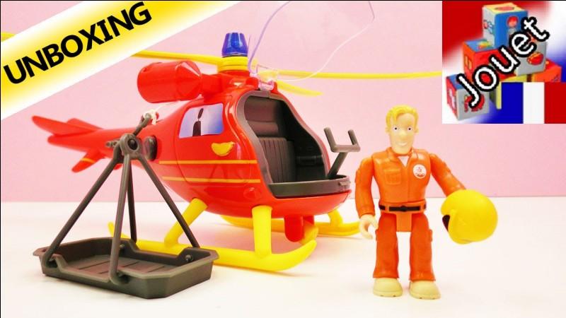 Comment s'appelle la personne qui aide les pompiers en hélicoptère ?