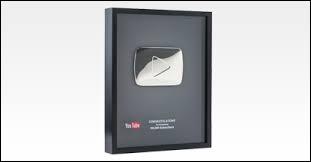 Avec combien d'abonnés peut-on avoir son premier trophée YouTube ?