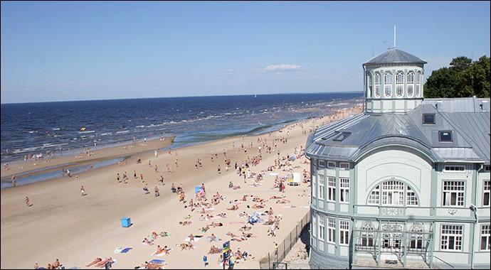 Jurmala, ville de 55 000 habitants, est l'une des rares stations balnéaires des pays baltes, avec sa plage sur la Baltique. Dans quel pays se trouve cette ville ?
