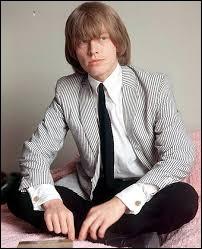 Brian Jones (1942 - 1969) a influencé les Rolling Stones dans les années 60 grâce aux instruments dont il était capable de jouer, notamment le sitar originaire...