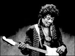 Jimi Hendrix (1942 - 1970) était au festival de Woodstock, grand moment de la culture hippie en 1969. Qui n'était pas programmé à cet événement musical ?