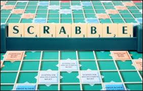 Combien de lettres a-t-on sur son présentoir au Scrabble ?