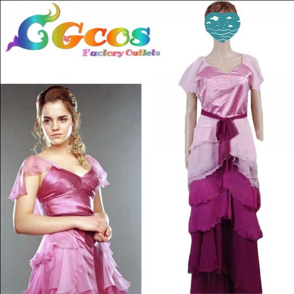 Question piège. À qui appartient cette robe ?