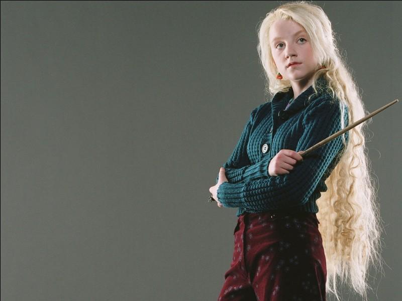 """Quelle est la réponse qu'a donnée Luna lorsqu'on lui a posé la question : """"Qui est apparu en premier le Phœnix ou la flamme ?"""" ?"""