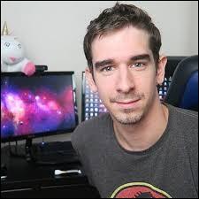 Dans quel pays le youtubeur VodKprod a-t-il vécu pendant quelques mois en 2016 ?
