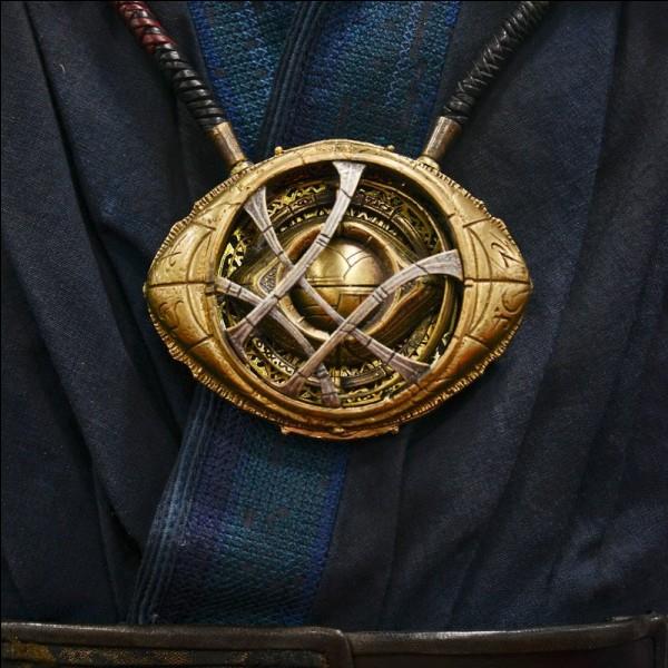 Quel est le nom donné à la Pierre d'Infinité permettant à Strange de convaincre le démon d'arrêter toute menace portée à la Terre ?