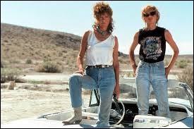 Dans le film de Ridley Scott sorti en 1991 et récompensé par un Oscar du meilleur scénario, qui accompagnait Louise ?