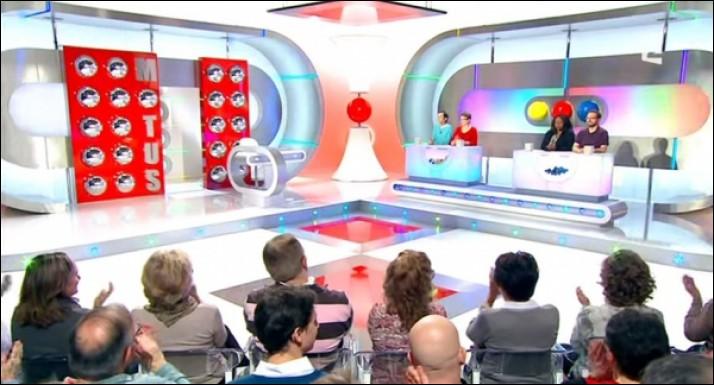 """A quel moment de la journée la chaîne France 2 diffuse-t-elle """"Motus"""" ?"""