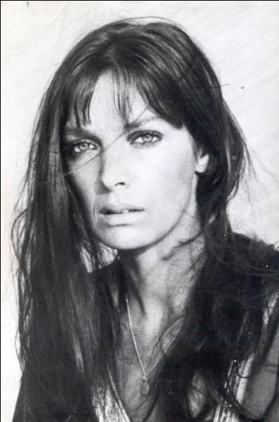 Marie Laforêt a chanté ''Au printemps'' . Quelle est sa seconde nationalité ?