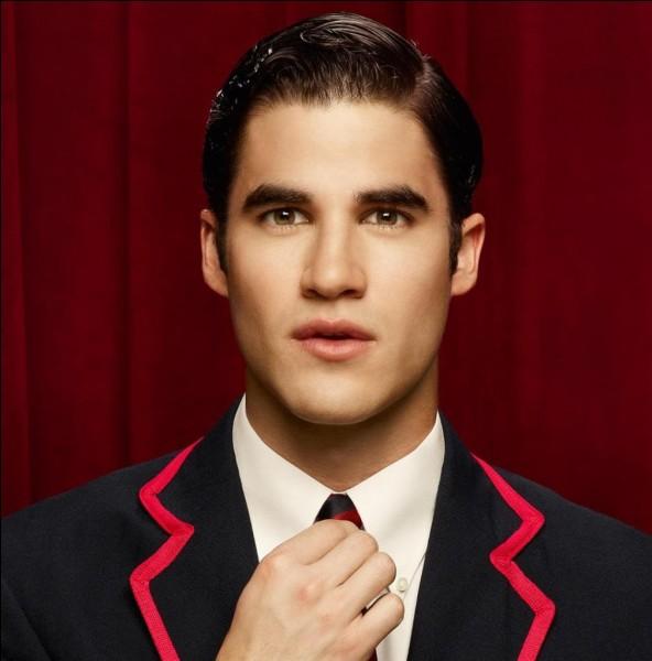 D'où vient Blaine avant d'aller dans le Glee club ?