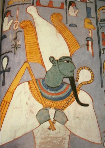 En combien de morceaux aurait été découpé Osiris par son frère Set ?