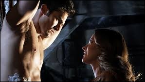 Pourquoi Derek s'est-il fait capturer et torturer par Kate dans les épisodes 11 et 12 de la saison 1 ?