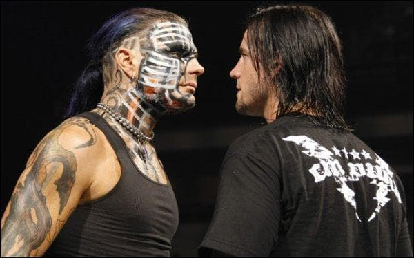 Jeff Hardy est en guerre avec CM Punk. Mais pourquoi ?
