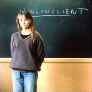 Après son premier disque en 1986, Vanessa Paradis débute au cinéma deux ans plus tard. Dans quel film ?
