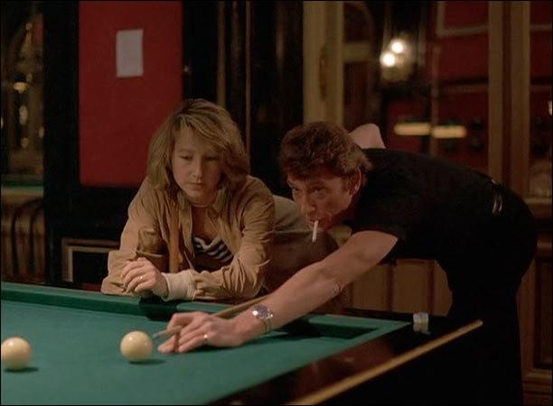 Johnny Hallyday a tourné dans une vingtaine de films. En 1984, il joue aux côtés de Nathalie Baye et de Claude Brasseur dans un chassé-croisé entre la mafia et la police. Avec quel réalisateur ?