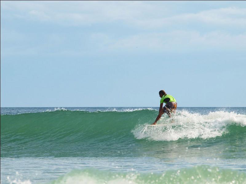 Je suis le Nicaragua, l'Océan Pacifique et la Mer des Caraïbes font la joie de mes baigneurs !