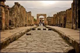 Quel est le nom du volcan qui a détruit la ville de Pompéi en l'an 79 après J.-C. ?