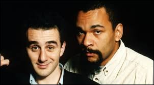 Avec quel humoriste Élie Semoun forme-t-il un duo comique durant les années 90 ?