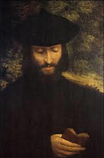"""Nous faisons un bond en arrière et nous arrivons en 1522. Cette année-là quel peintre italien de la Renaissance a peint cette huile sur toile appelée """"Portrait d'un homme avec un livre"""" ?"""