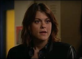 Qui joue le rôle de Paige McCullers ?